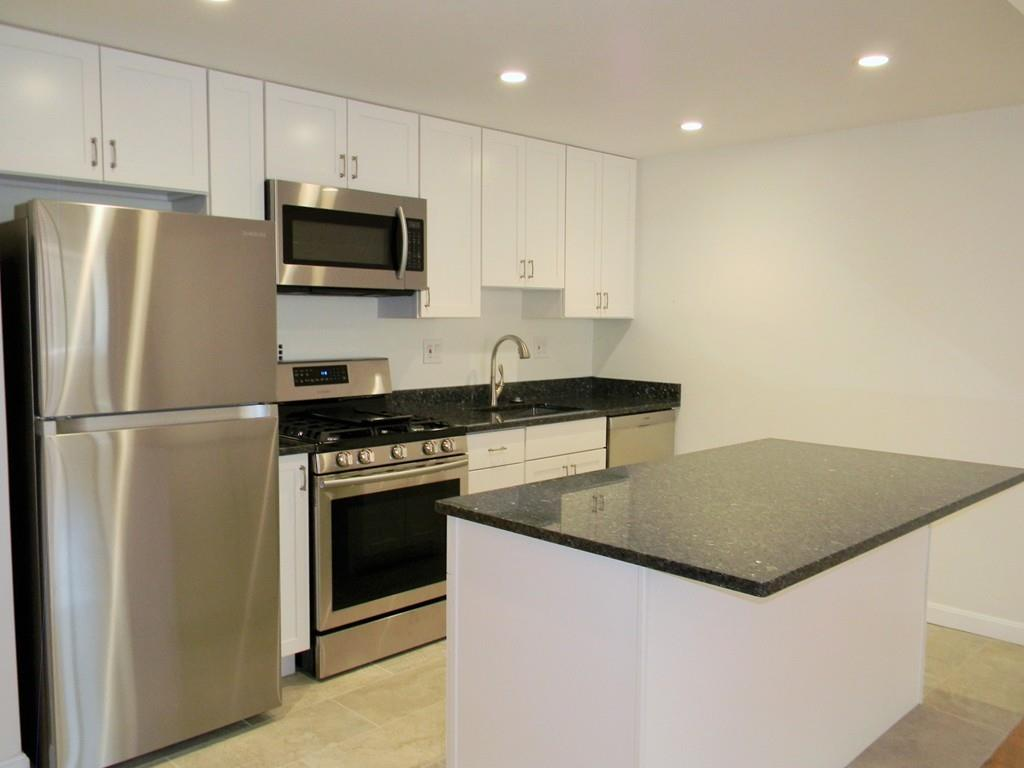Whittier-Place-kitchen